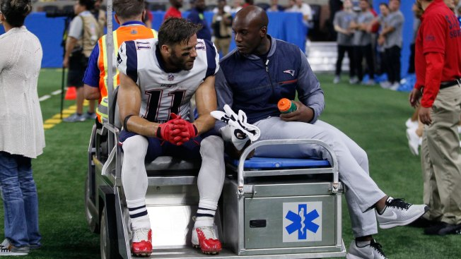 Patriots WR Julian Edelman carted off field with apparent leg injury