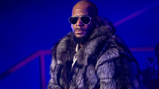 R. Kelly Sings About Legal Troubles in Revealing 19-Minute Song