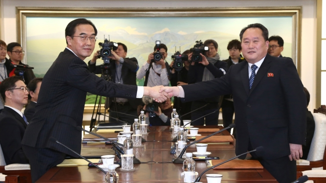 Rival Koreas Agree to Military, Red Cross Talks for Peace