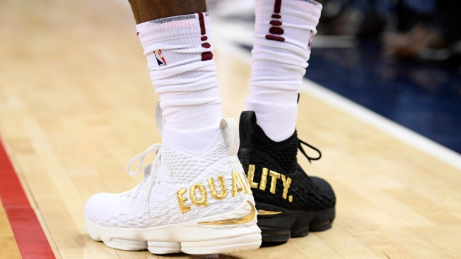 LeBron Wears 1 Black Shoe, 1 White Shoe; Speaks About Trump
