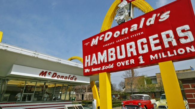 McDonald's to raze Des Plaines museum of 1st restaurant