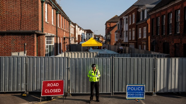 Roads Shut After 2 Fall Ill in UK City Where Ex-Spy Poisoned