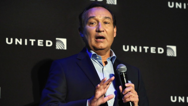 United Airlines says it will testify at House hearing