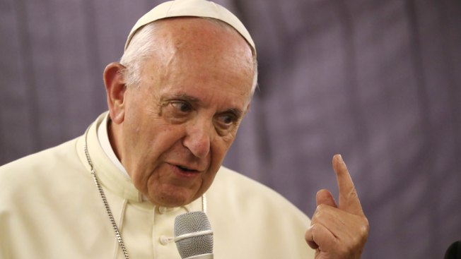 Pope Apologizes to Abuse Victims, But Defends Chile Bishop