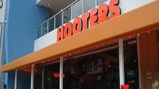 Hooters in Dedham Gets Liquor License After Town Is Forced Into a Revote