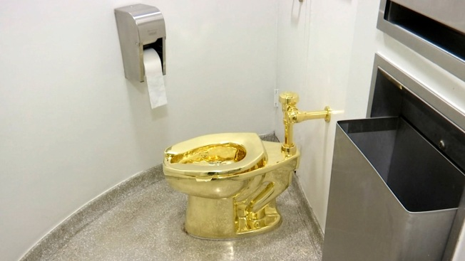 Solid Gold Toilet Stolen From Winston Churchill's Birthplace