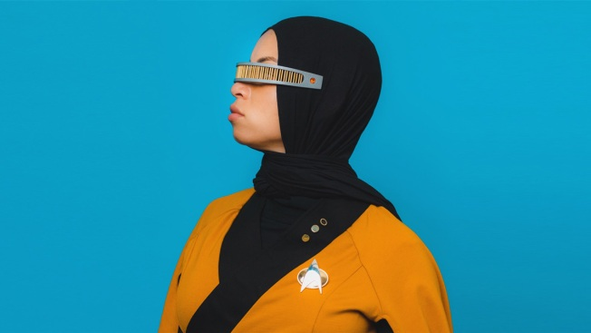 'Star Trek' Fan at Comic-Con Adds a Hijab to Her Starfleet Costume