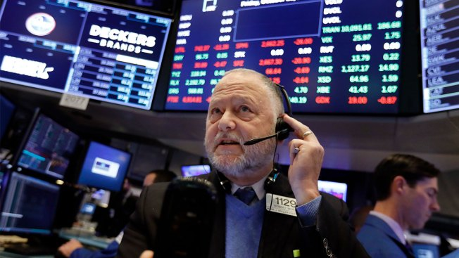 Tech Giants Slide, Pulling US Stock Market Sharply Lower