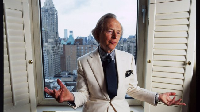 'Bonfire of the Vanities' Author Tom Wolfe Dies