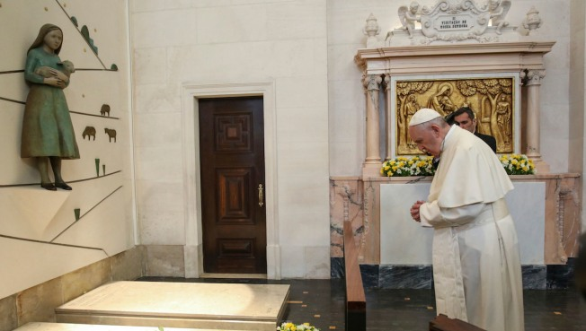 Pope Francis to canonise children at Fatima shrine