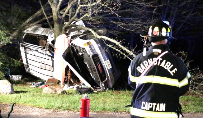 1 Dead After Vehicle Crashes Into Tree on Cape Cod