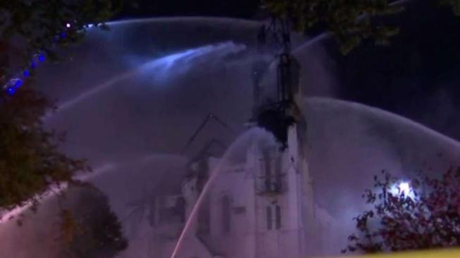 Lightning Sparks M Ive Fire At Historic Wakefield Church