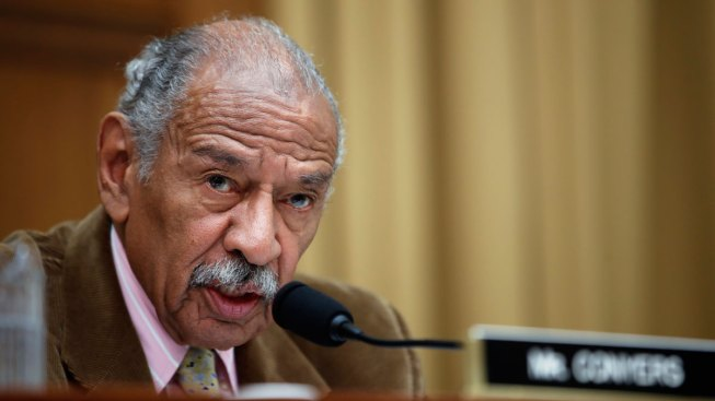 Bill Clinton Among Those Honoring US Rep. Conyers at Funeral