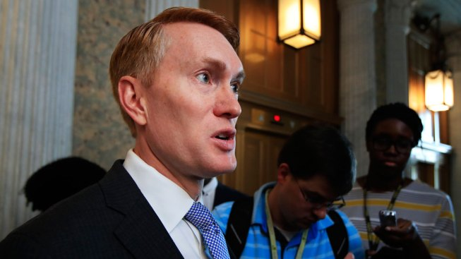 Sen. Lankford says Russian trolls spread NFL national anthem divides
